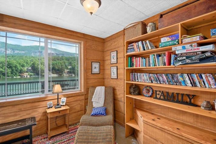 Lake Lure, North Carolina Cottage Rental - Gallery Image #9