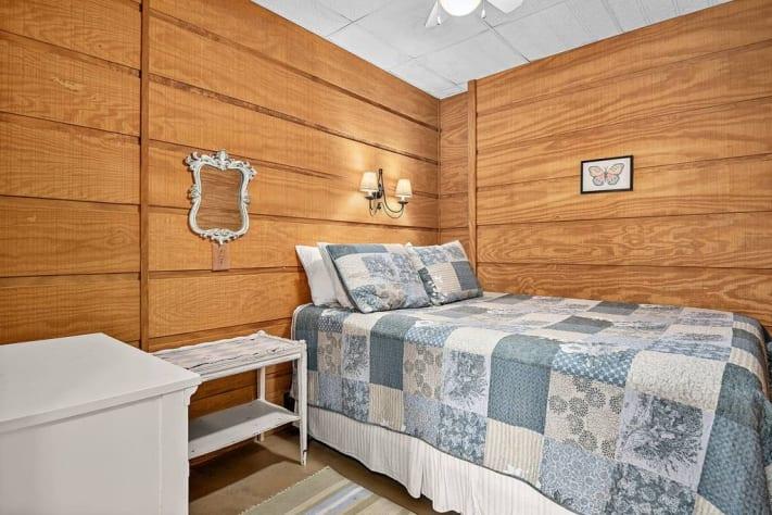 Lake Lure, North Carolina Cottage Rental - Gallery Image #15