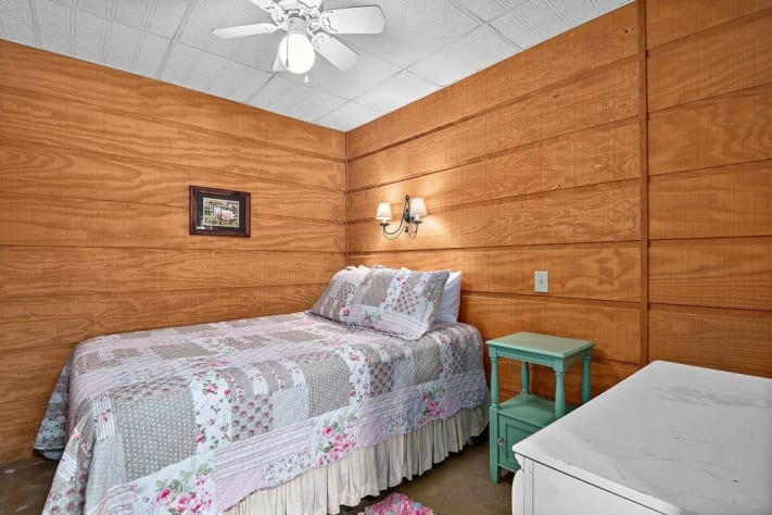 Lake Lure, North Carolina Cottage Rental - Gallery Image #16