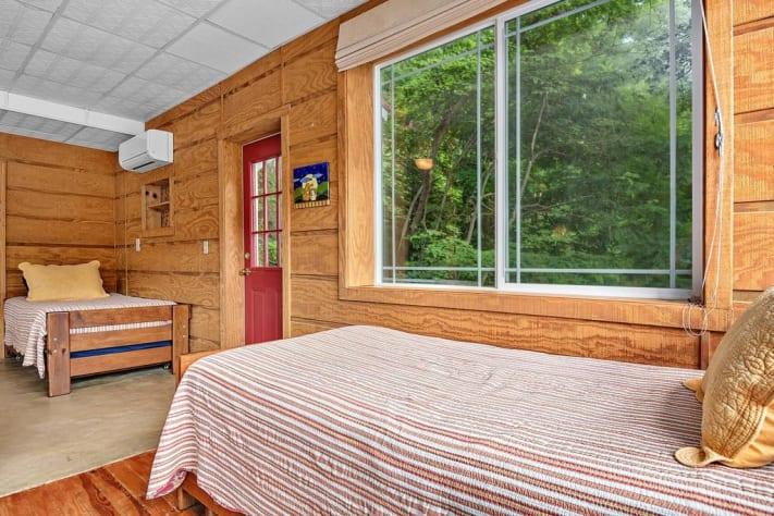 Lake Lure, North Carolina Cottage Rental - Gallery Image #18