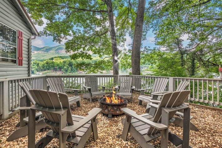 Lake Lure, North Carolina Cottage Rental - Gallery Image #20