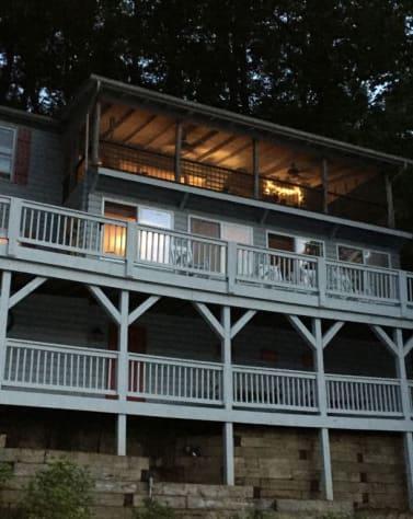 Lake Lure, North Carolina Cottage Rental - Gallery Image #21