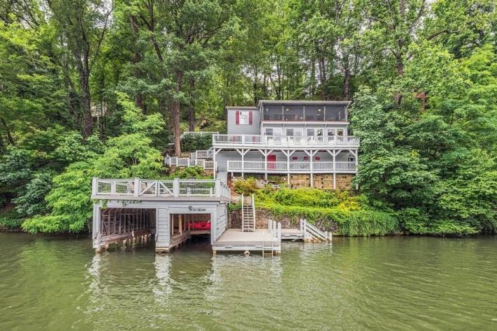 Lake Lure, North Carolina Cottage Rental - Gallery Image #2