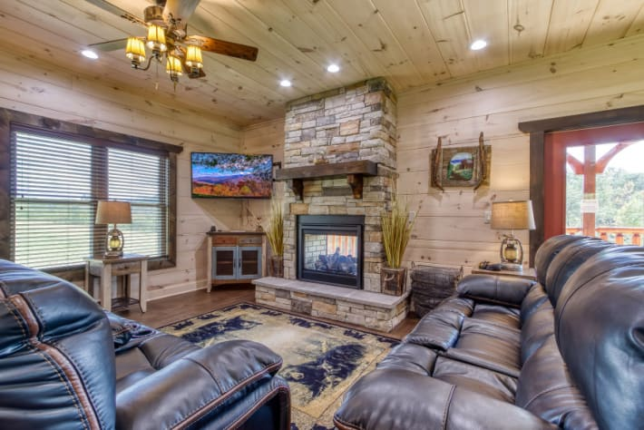 Pigeon Forge, Tennessee Lodge Rental - Gallery Image #3