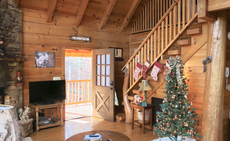 Christmas In Tennessee Vacation.Flying Squirrel Gatlinburg Private Properties