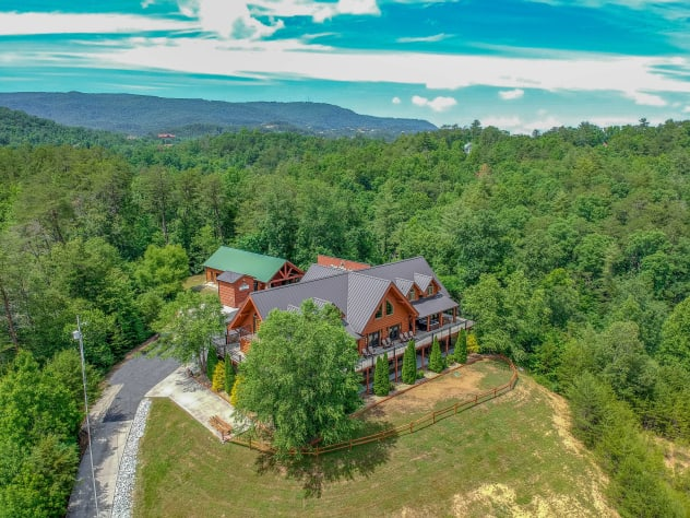 Sevierville, Tennessee Lodge Rental - Gallery Image #1