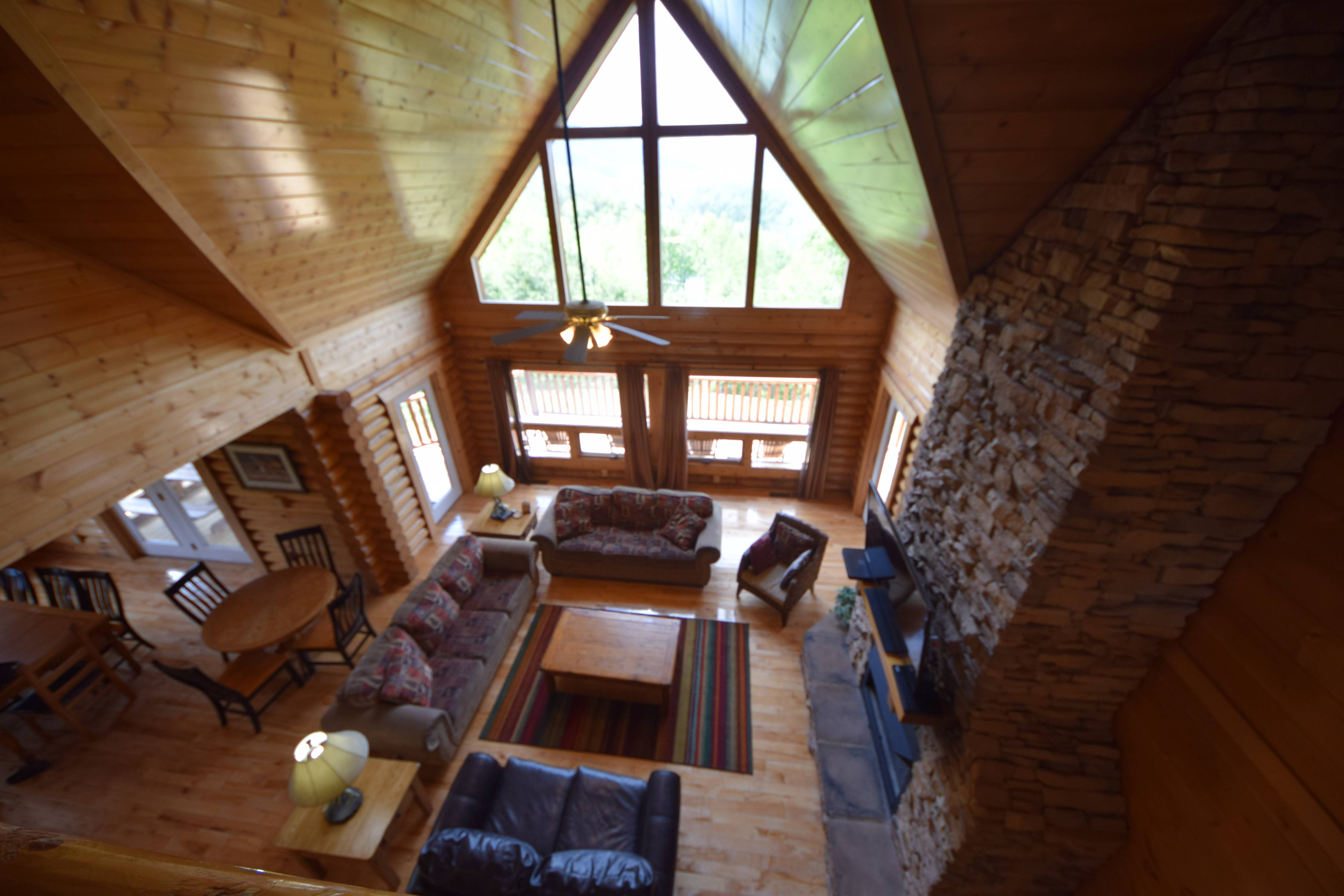 a hollow cabins bedroom slice of sevierville rental rentals forge pigeon dale cabin paradise