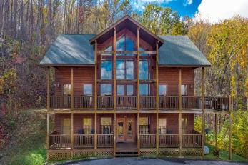 Cabin Rental in Gatlinburg, TN offering a deal!