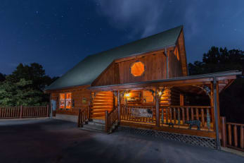 Cabin Rental in Pigeon Forge, TN offering a deal!
