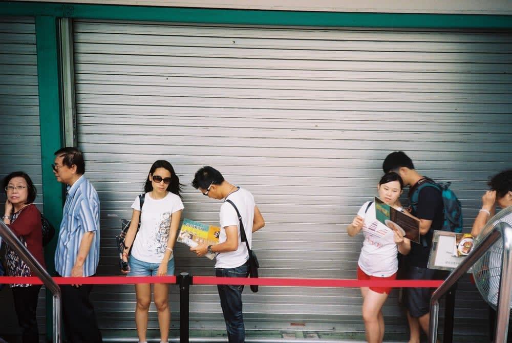 restaurant queue singapore