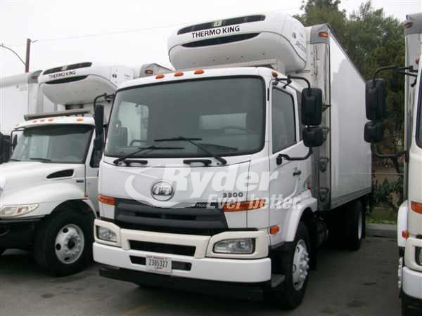 2012 NISS UD3300 REEFER TRUCK #663327