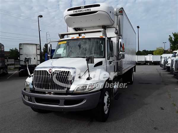 USED 2012 NAVISTAR INTERNATIONAL 4300 REEFER TRUCK #662685
