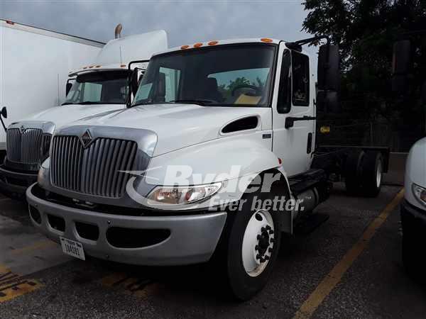 USED 2012 NAVISTAR INTERNATIONAL 4300 CAB CHASSIS TRUCK #662096