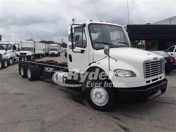 2012 FREIGHTLINER M2 106 CAB CHASSIS TRUCK #662985