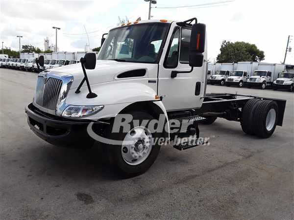 2013 NAVISTAR INTERNATIONAL 4300 CAB CHASSIS TRUCK #661423