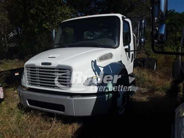 USED 2013 FREIGHTLINER M2 106 CAB CHASSIS TRUCK #662852