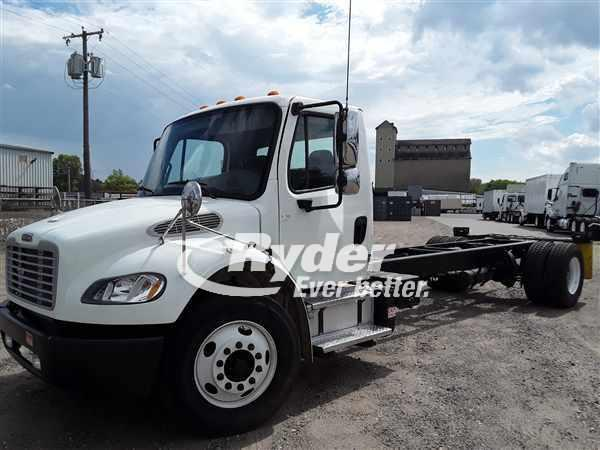 USED 2013 FREIGHTLINER M2 106 CAB CHASSIS TRUCK #661428
