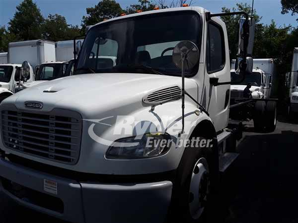2013 FREIGHTLINER M2 106 CAB CHASSIS TRUCK #662939