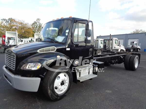 2013 FREIGHTLINER M2 106 CAB CHASSIS TRUCK #668266