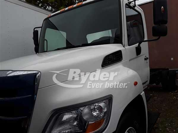 USED 2013 HINO 268 CAB CHASSIS TRUCK #668653