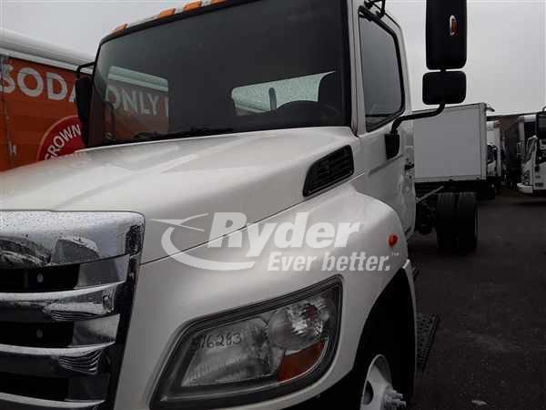 USED 2013 HINO 268 CAB CHASSIS TRUCK #668086