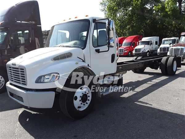 USED 2014 FREIGHTLINER M2 106 CAB CHASSIS TRUCK #661570