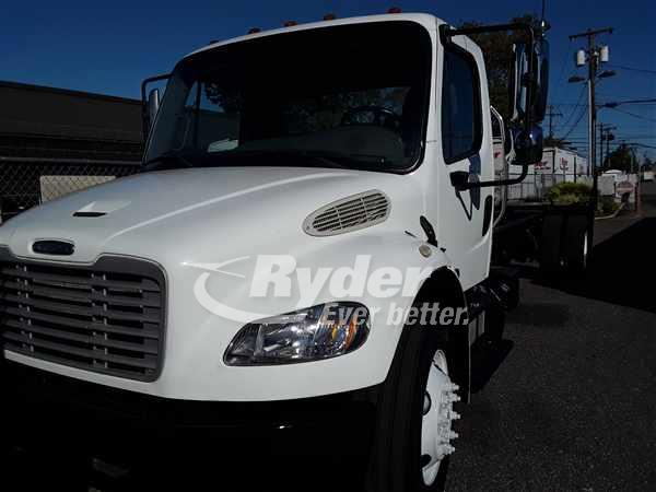 USED 2014 FREIGHTLINER M2 106 CAB CHASSIS TRUCK #663922