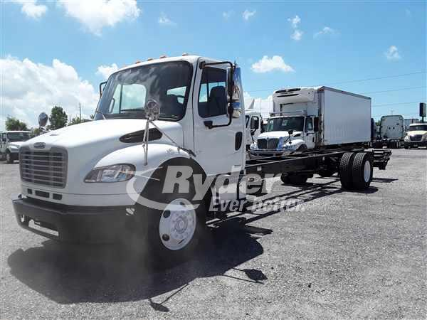 USED 2009 FREIGHTLINER M2 106 FLATBED TRUCK #664714