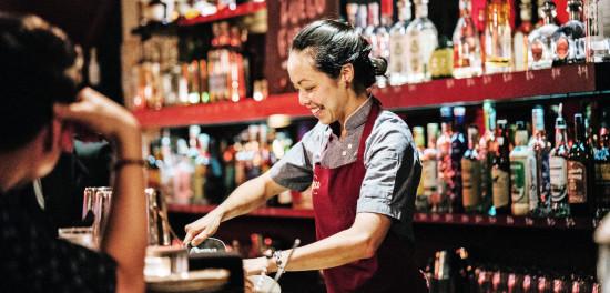 Food and beverage bar