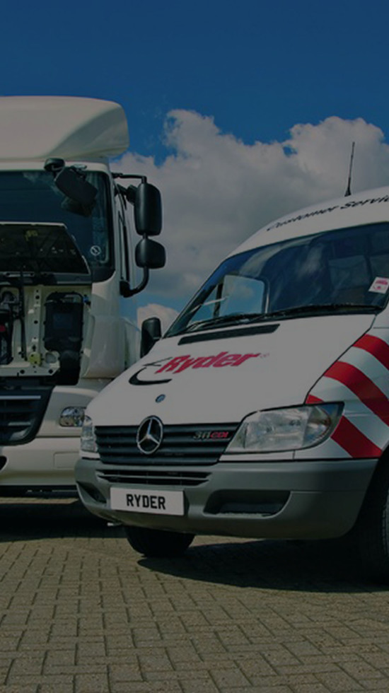 Ryder breakdown vehicle working on tractor unit