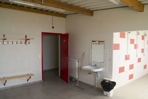 vestiaires-salle-des-sports-ambillou-chateau-49