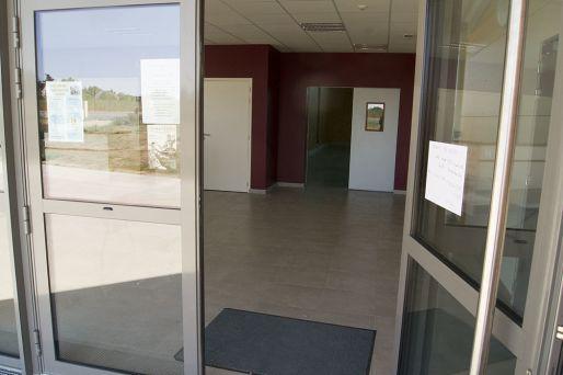 entree-salle-des-sports-ambillou-chateau-49