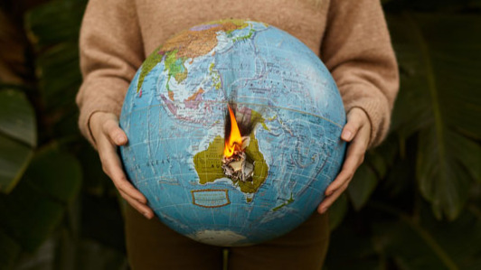 Die Erde brennt.