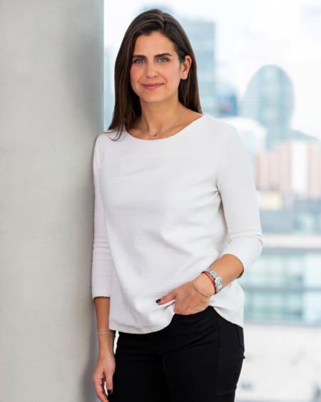Sarah Chris - Listing Agent
