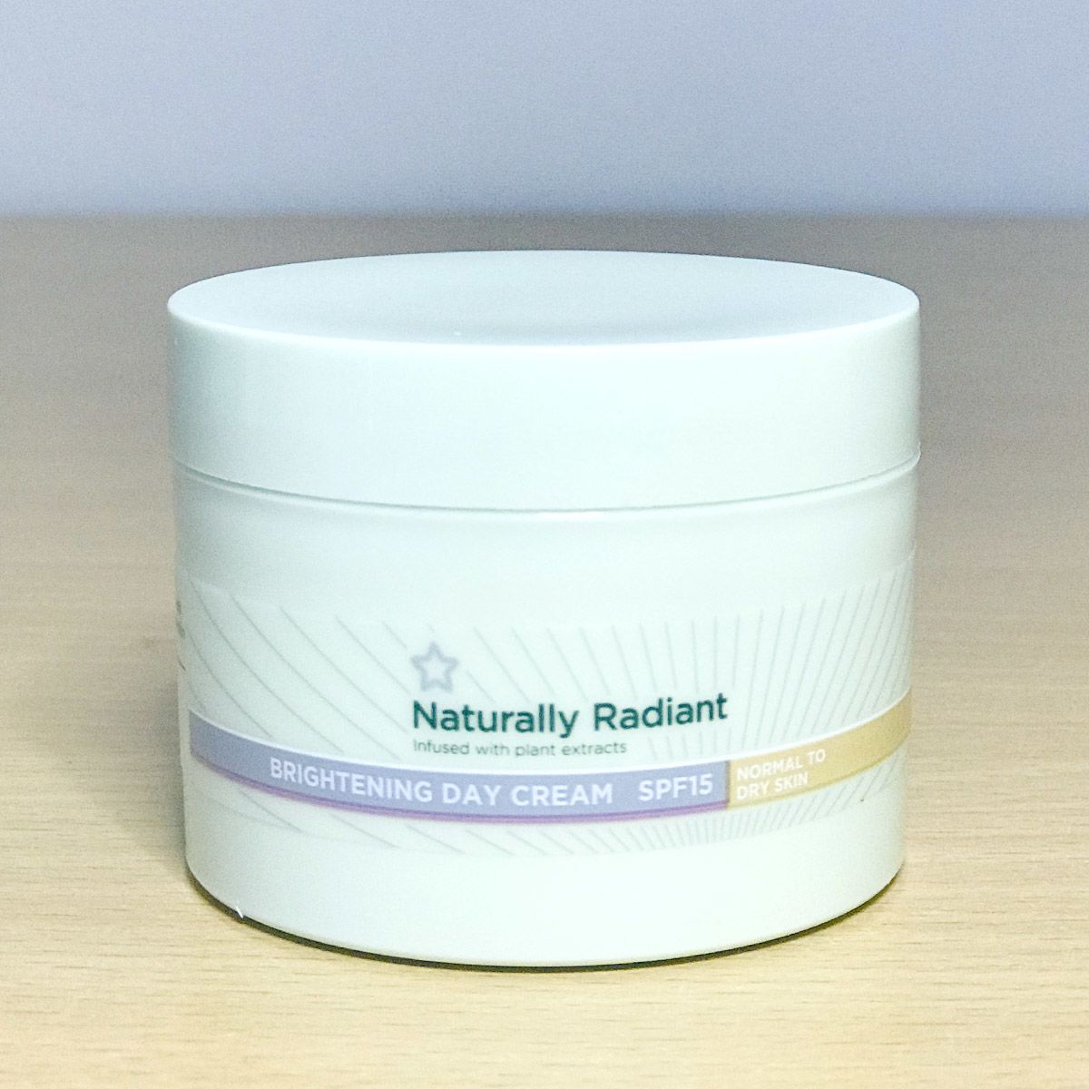 Superdrug Naturally Radiant Brightening Day Cream 75ml