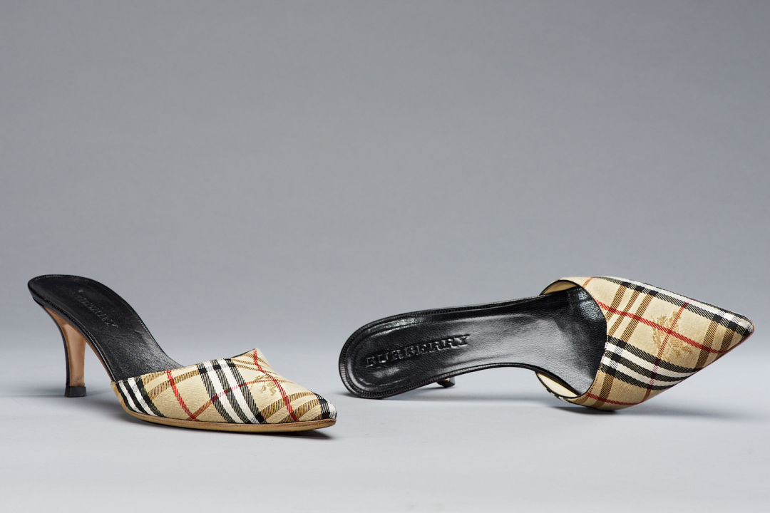 0be5e9340ff0 Gw glitter 2016 burberry shoes web 1500max 72dpi srgb bret doss 2016 27  yfq6ac