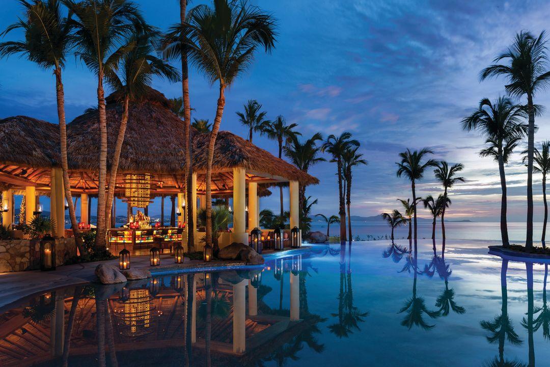 Palmilla mexico dining pool beach 29 06 2015 2130ext biqmi0