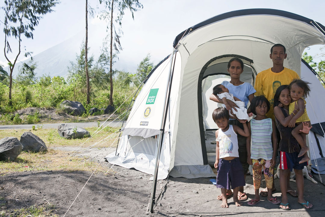 Shelterbox tent in the philippines h97gwz