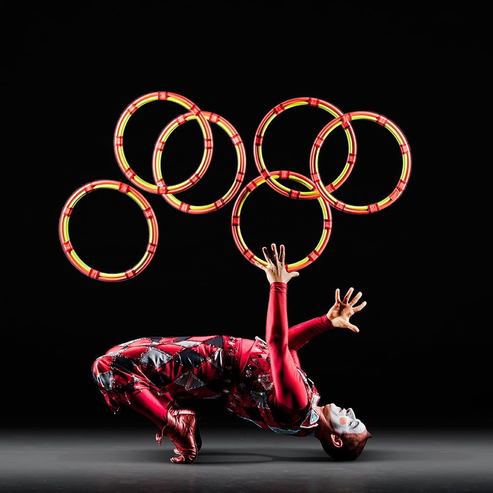 Cirque des voix harlequin hoops elite entertainment puyacb