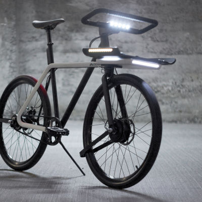 Sea denny the denny bike also has a fully integrated smart lighting system that adapts the intensity based on the natural light conditions lrc7yg