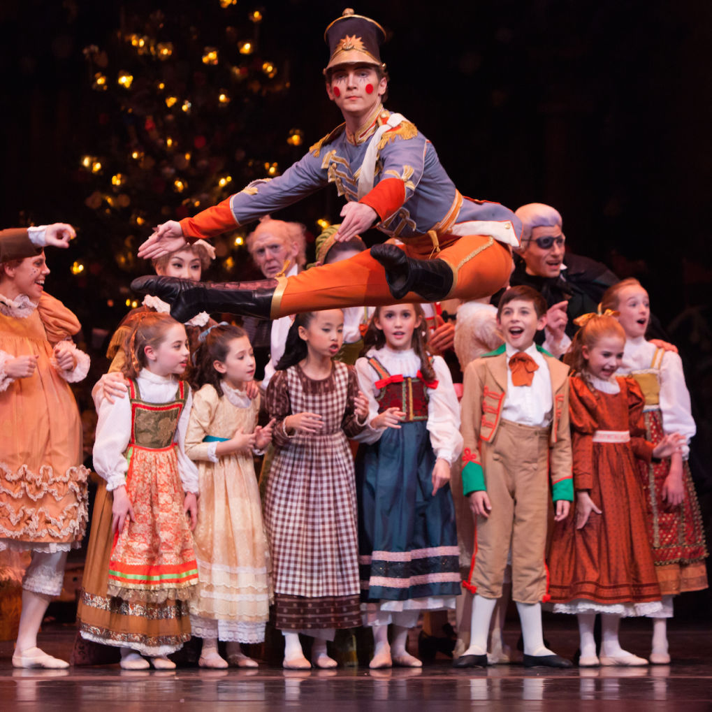 Elliott and artists of houston ballet   the nutcracker wv01k1