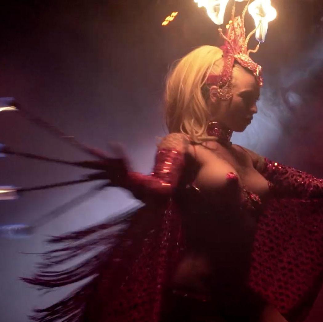 Burlesque 10 v25zwt