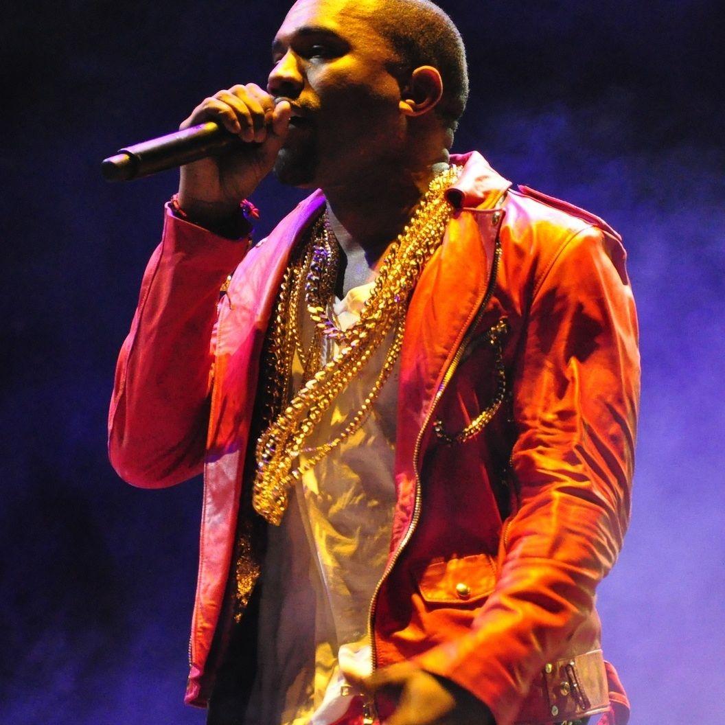 Kanye x4q6vt