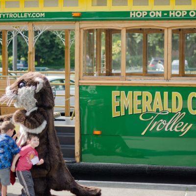 Emerald city trolley  1 of 6  grsorn