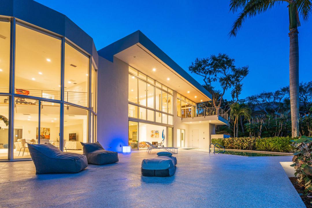 Siesta Key home pool deck at night