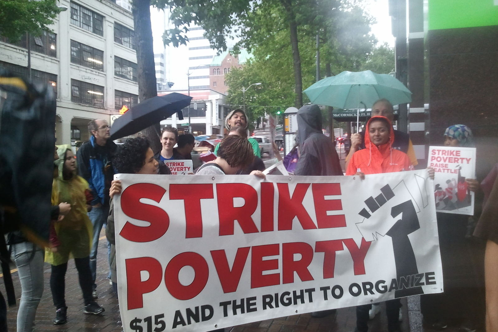 Strike poverty outside columbia tower kc95fw