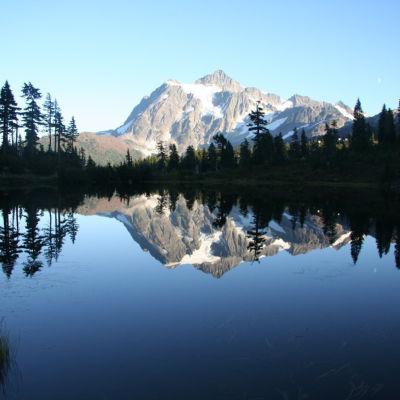 Picture lake  mount shuksan fq0k3y