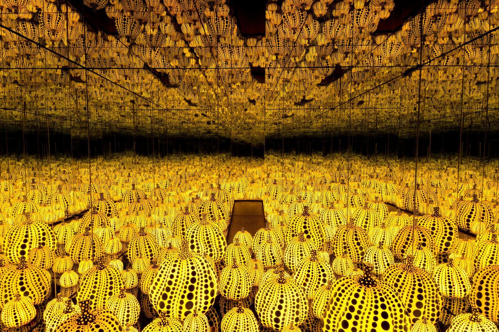 Infinity mirrored room all the eternal love i have for the pumpkins 1 bt2tlj