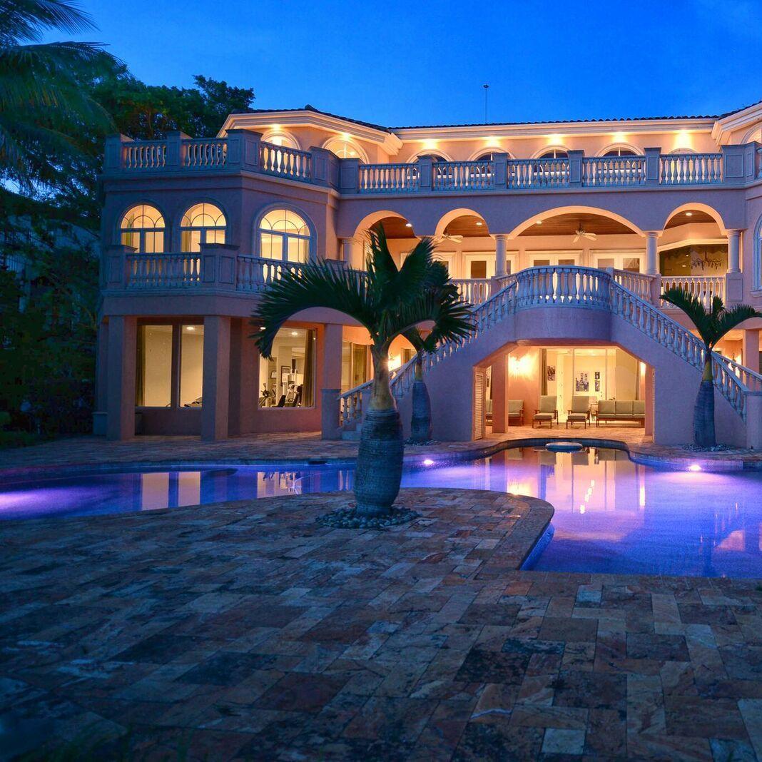 Villa sena nighttime exterior tpx8lc