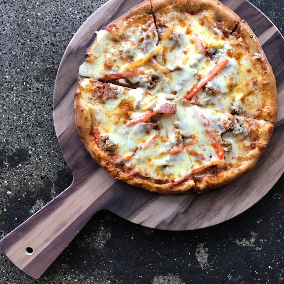 Young american ale house pizza xrmwph